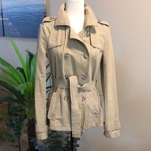 Gorgeous Aeropostale trench coat size medium